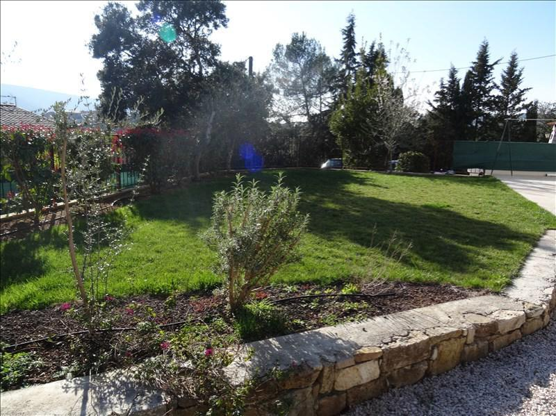 APPARTEMENT RENOVE T3 STE ANASTASIE SUR ISSOLE avec jardin 200 m², état irréprochable