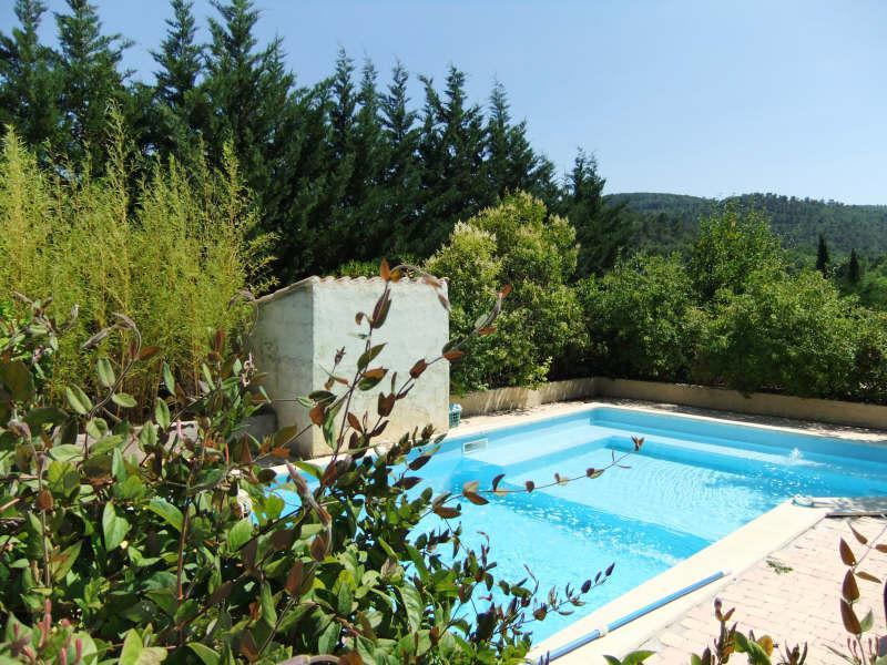 VILLA T5 NEOULES avec piscine, proche du village.