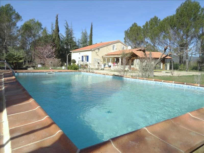 VILLA T4 ROCBARON 5000 m² de jardin avec piscine traditionnelle