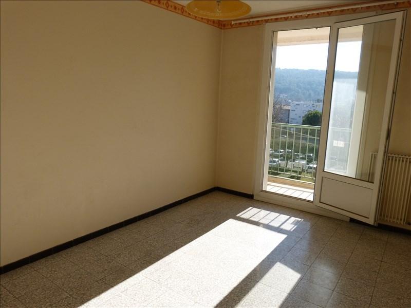 Un appartement T4 avec balcon et ascenseur à Aix en provence sud