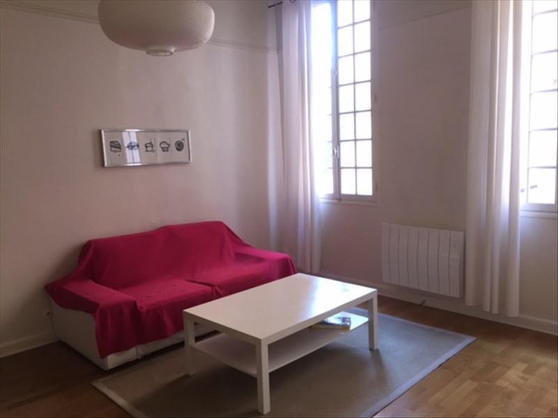 Aix en provence type 2 meuble et equipe 1er etage for Chambre d immeuble