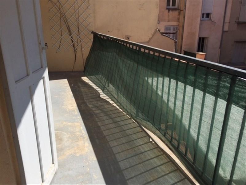 A LOUER  - AIX-EN-PROVENCE, appartement de type 2 situé en plein centre ville d'une superficie d'environ 35 m² au 1et étage, composé d'une belle pièce à vivre lumineuse donnant sur  terrasse, une cuisine indépendante semi équipée, une chambre, une salle de bains et un wc.  Honoraires locataire: 455 € TTC (état des lieux compris)  Contact :  Léa MAGNIEN Figuière Habitat 04.42.912.912. lea.magnien@figuiere.com
