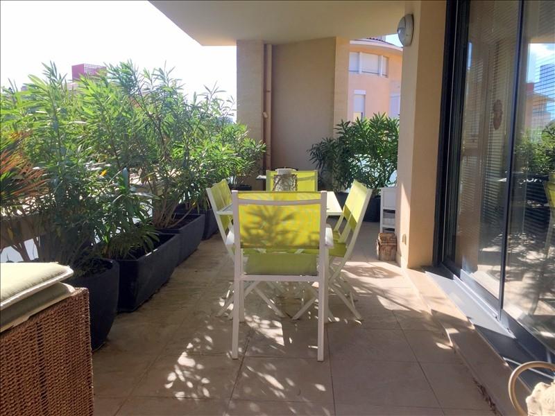 Grand appartement T3 de 87m²au centre ville d'Aix en Provence avec une grande terrasse