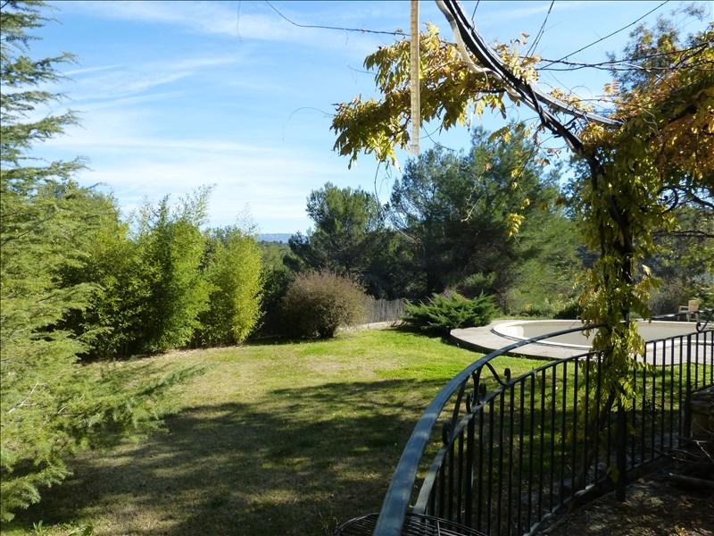 Maison de 266m² sur terrain de 5000m² avec piscine au calme absolu sur Peyrolles