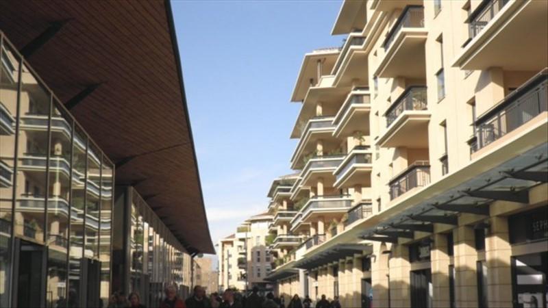 Un appartement T3 avec balcon et garage privé au centre ville d'Aix en Provence quartier des Allées Provençales