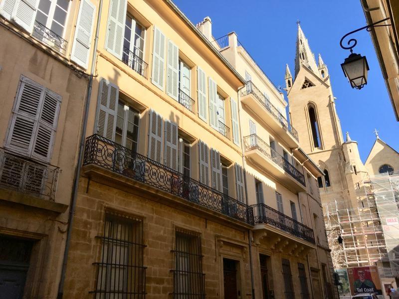 Aix en Provence quartier Mazarin T2 en dernier étage