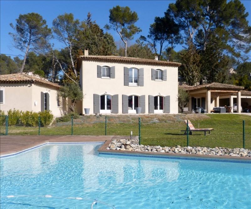 Secteur des Milles et Calas, belle bastide contemporaine de 230m² avec piscine, ensoleillé et au calme