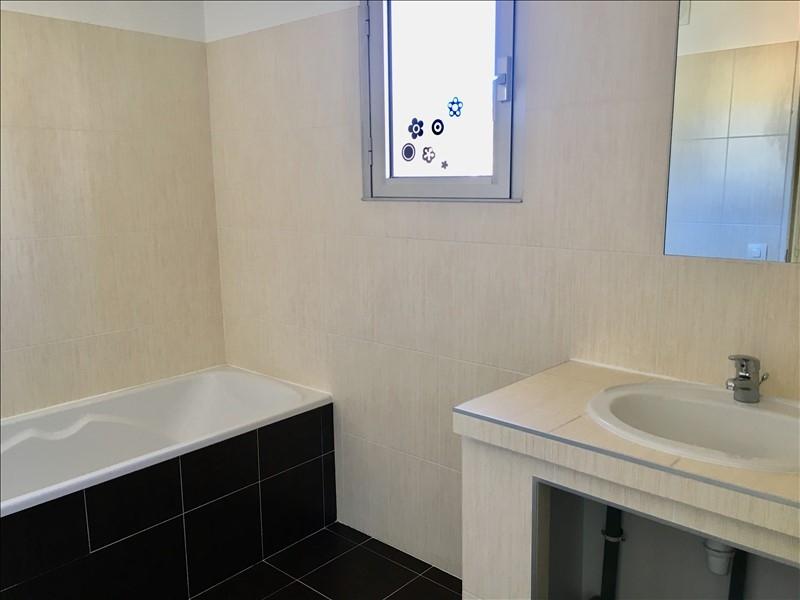 Aix en Provence proche Lycée Cézanne Appartement T4 en dernier étage d'environ 84m².