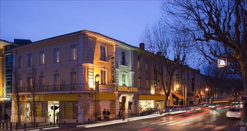 Appartement T4 avec ascenseur, à rénover au centre ville d'Aix en Provence