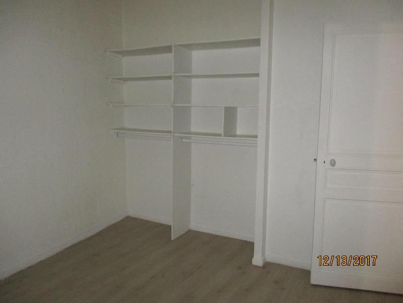 APPARTEMENT T2 13300 SALON DE PCE