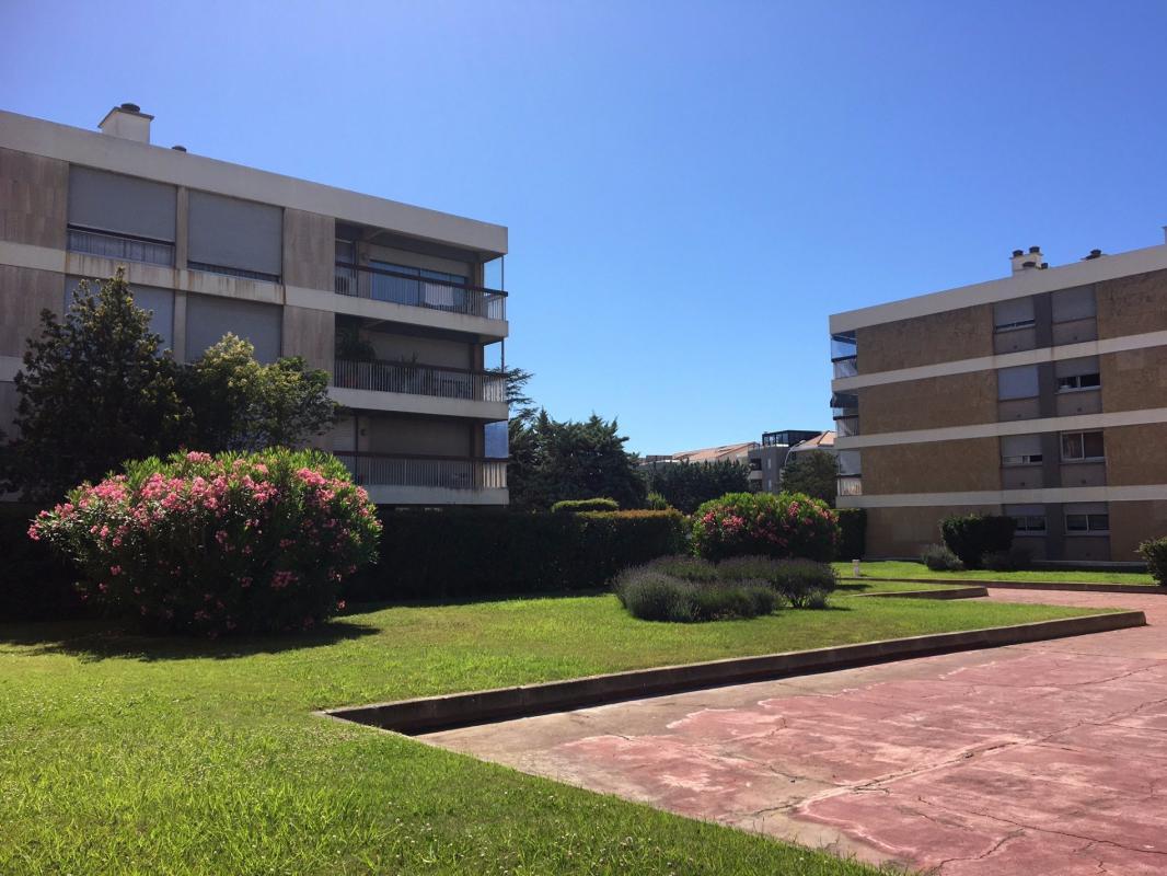 Appartement t3 rez de jardin 13009 marseille marseille for Appartement bordeaux rez de jardin