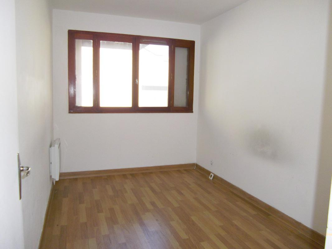 Appartement  T2 2 PIECES EN EXCULISIVITE MARSEILLE 5ème Métro BAILLE Marseille