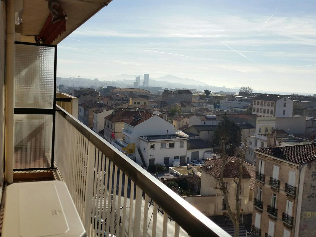Appartement t3 3 pieces dernier etage vue mer balcon for Garage louis marseille