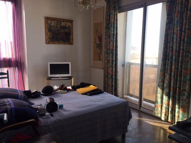 Appartement  T3 Appartement Type 3 avec Vue Mer et Notre Dame Marseille