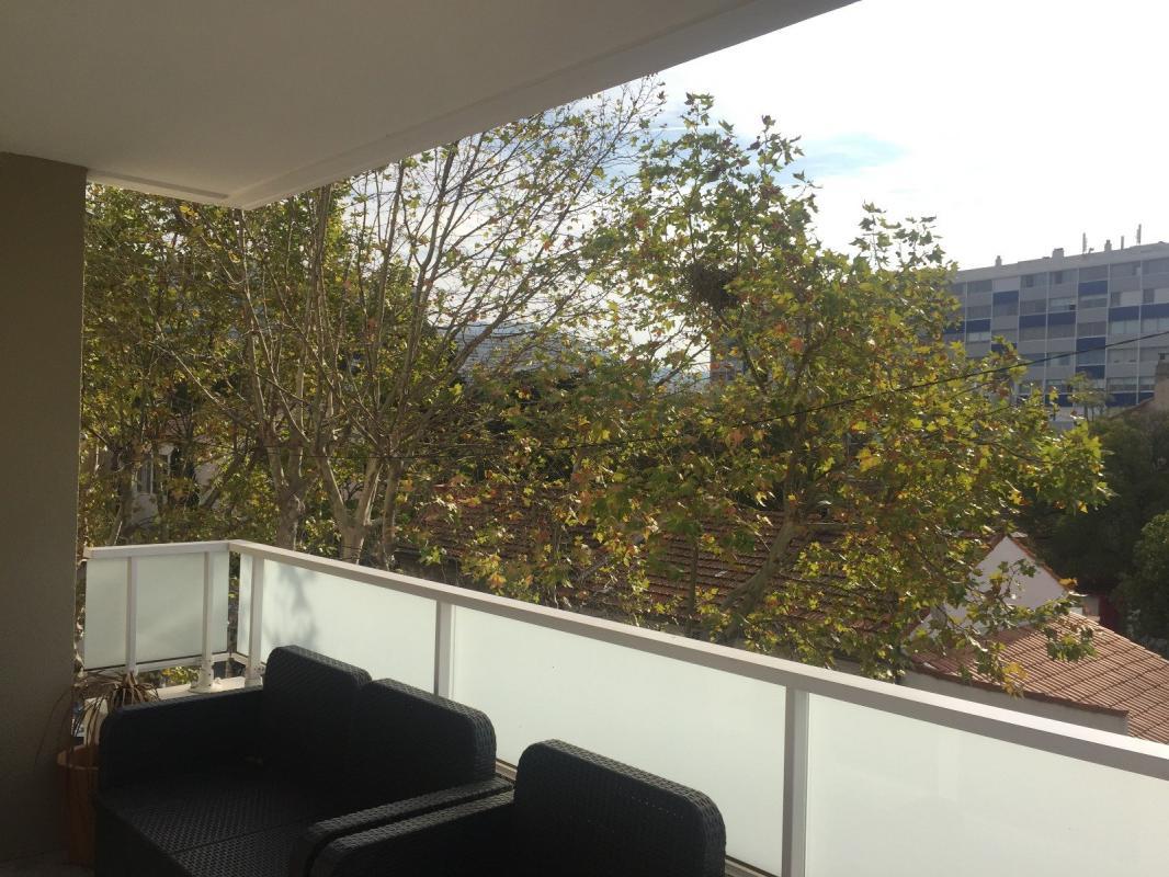 Appartement  T3 13009  T3 MEUBLE EN PARFAIT ETAT Marseille