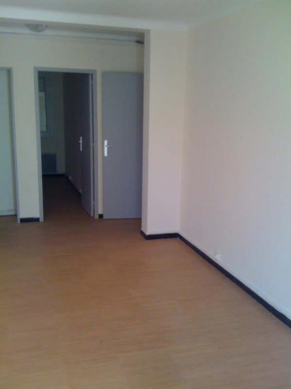 Appartement  T3 A    LOUER T3 251 BOULEVARD CHAVE 13004 MARSEILLE Marseille