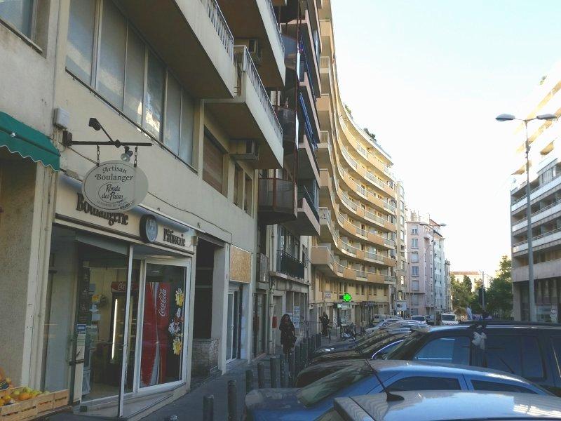 Local commercial  EN EXCLUSIVITE MURS COMMERCIAUX 4ème MARSEILLE Marseille