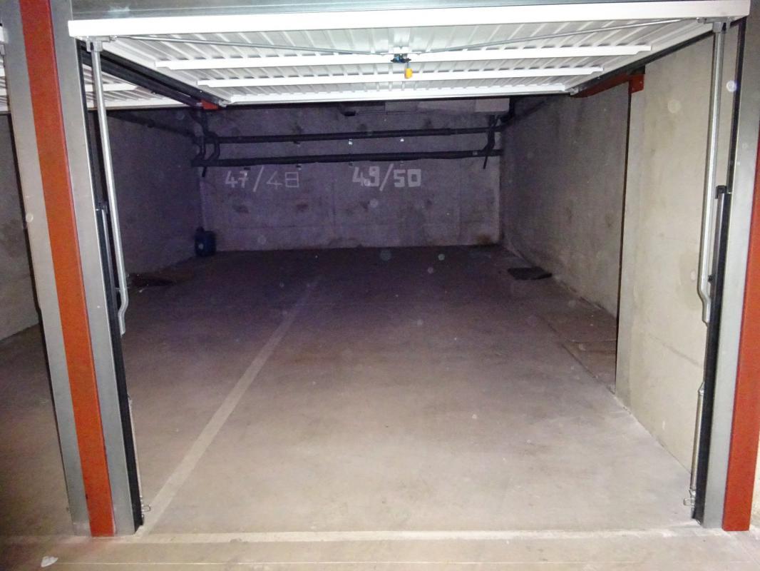 Vitrolles garage double pour deux véhicules