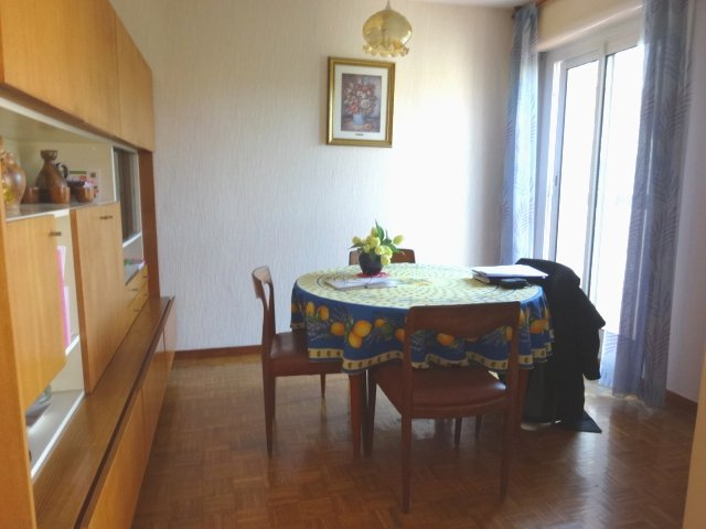 Appartement  T5 EN EXCLUSIVITE 5 PIECES DERNIER ETAGE BALCON ET PARKING PRIV Marseille