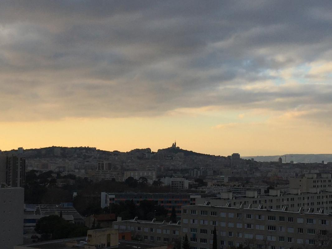 Appartement  T3 T3 rénové  13010 CASTEL ROC BAS Marseille