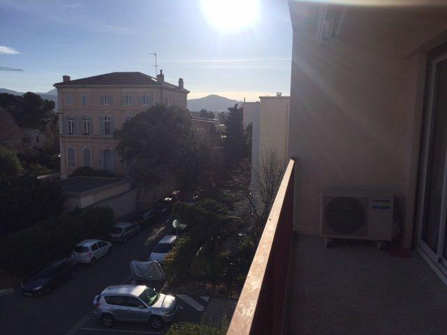 Appartement  T4 Appartement T3/4 en dernier étage avec vue dégagée Marseille