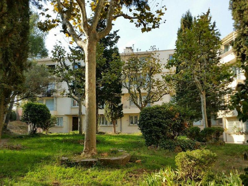 Appartement  T4 T3/4 DERNIER ETAGE BALCON PARKING MARSEILLE 4ème Marseille