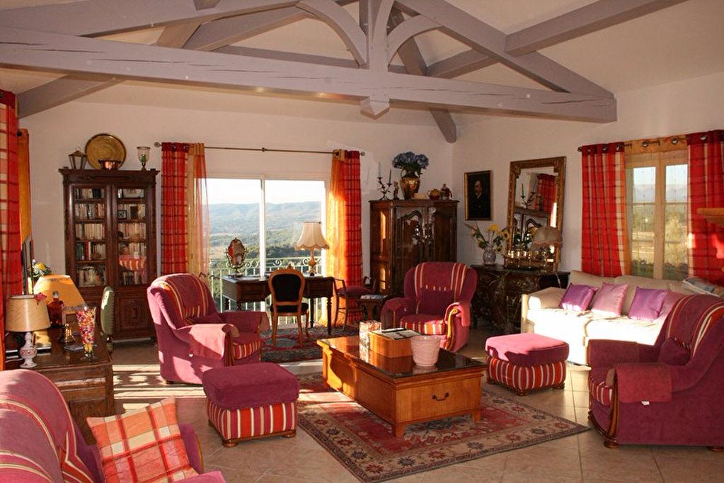 Villa 230 m2 sur 2400 m2 de terrain Le Beausset (83330)