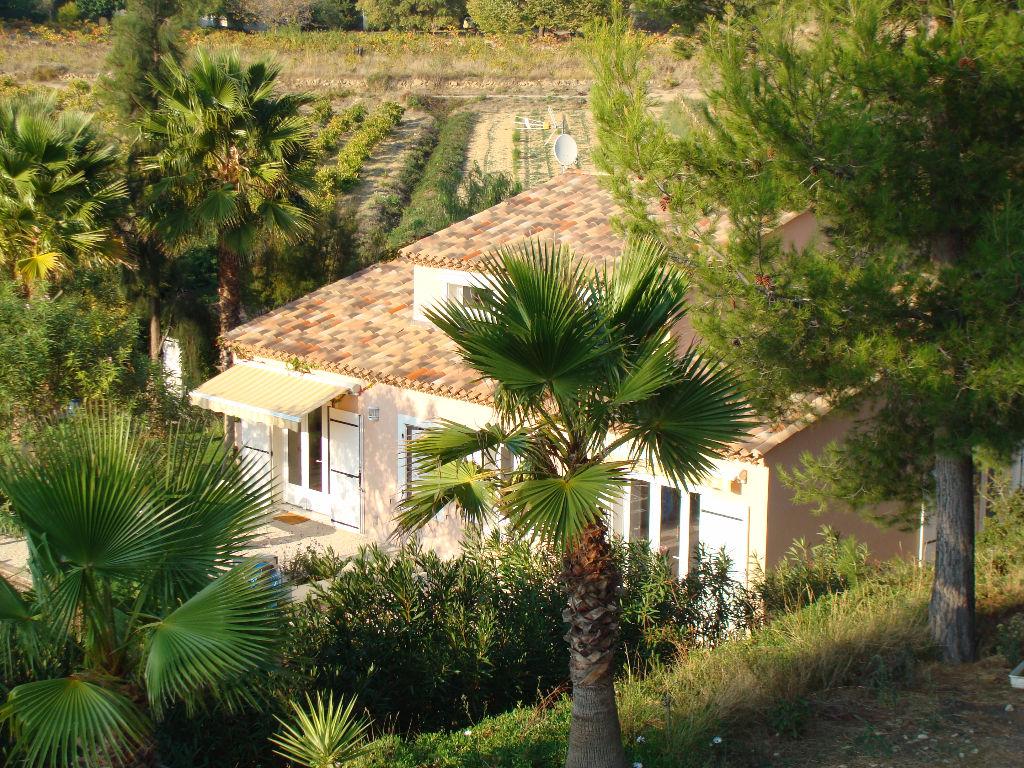 Propriété d'un hectare , 170 m² habitables + annexe de 160m² Saint Cyr sur Mer 83270