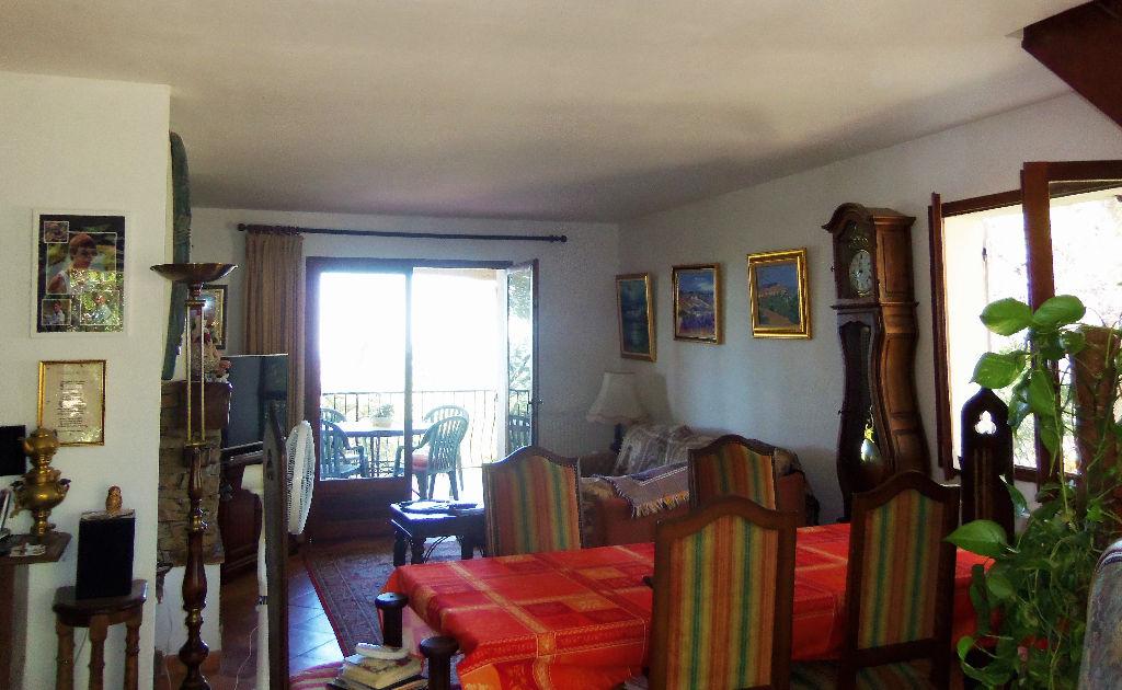 Villa en 2 appartements T4 + T3. Vue mer Calme LA CADIERE d'AZUR