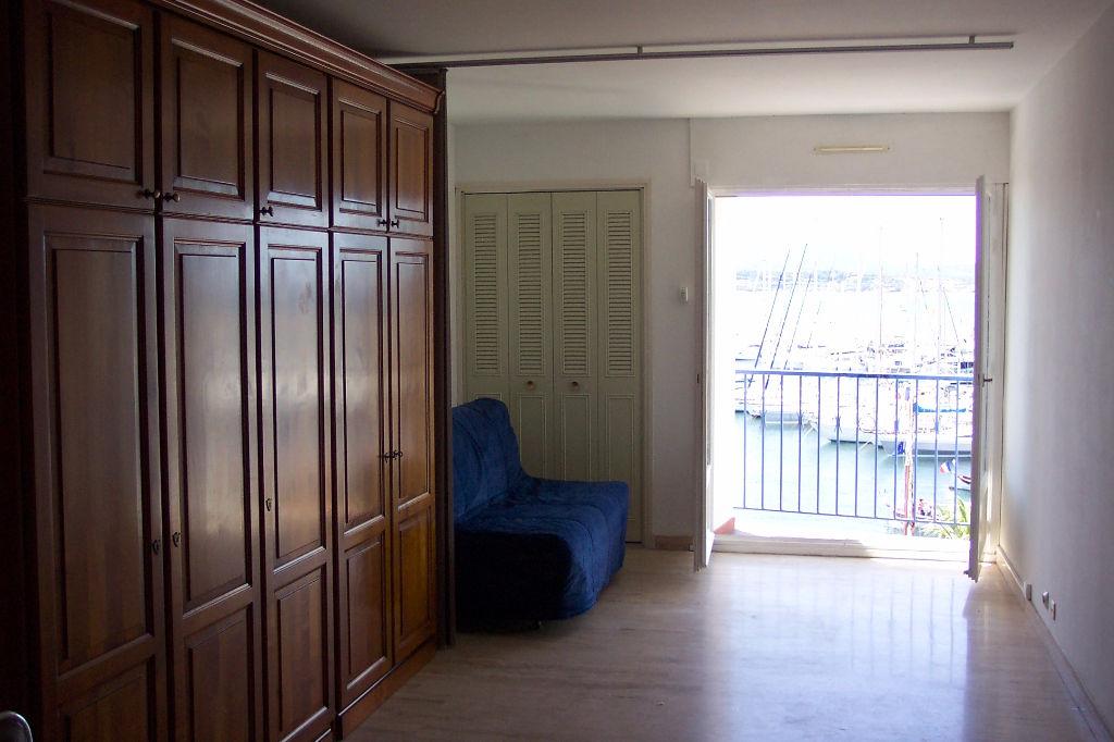 Studio meublé de 31 m2 - SANARY-SUR-MER