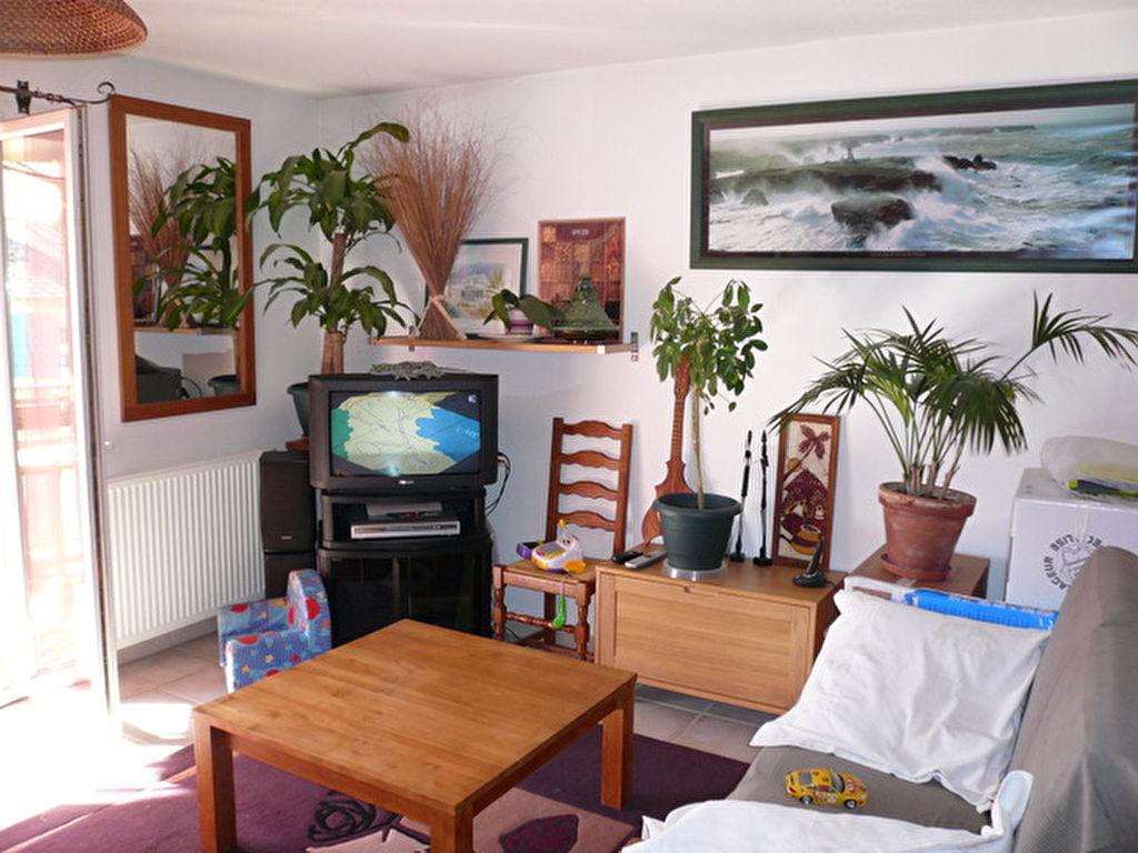 Appartement Le Beausset de type 2 avec terrasse - Résidence sécurisée - Bon investissement !