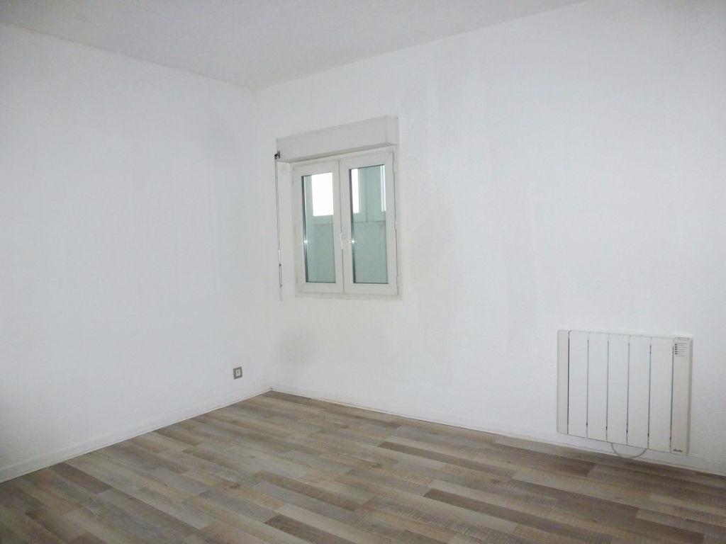 Appartement  T3 LE CASTELLET de 61.59 m2 en duplex et parking