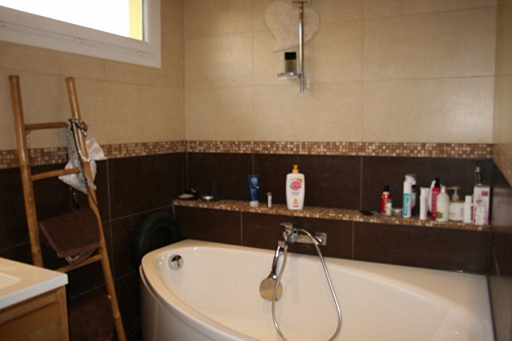 Villa de plain pied Le Beausset - 740 m² de terrain - En parfait état