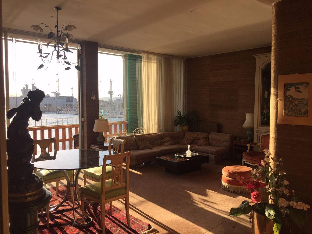 Appartement 5 pièce(s) TOULON frontale du port - terrasses - vue mer