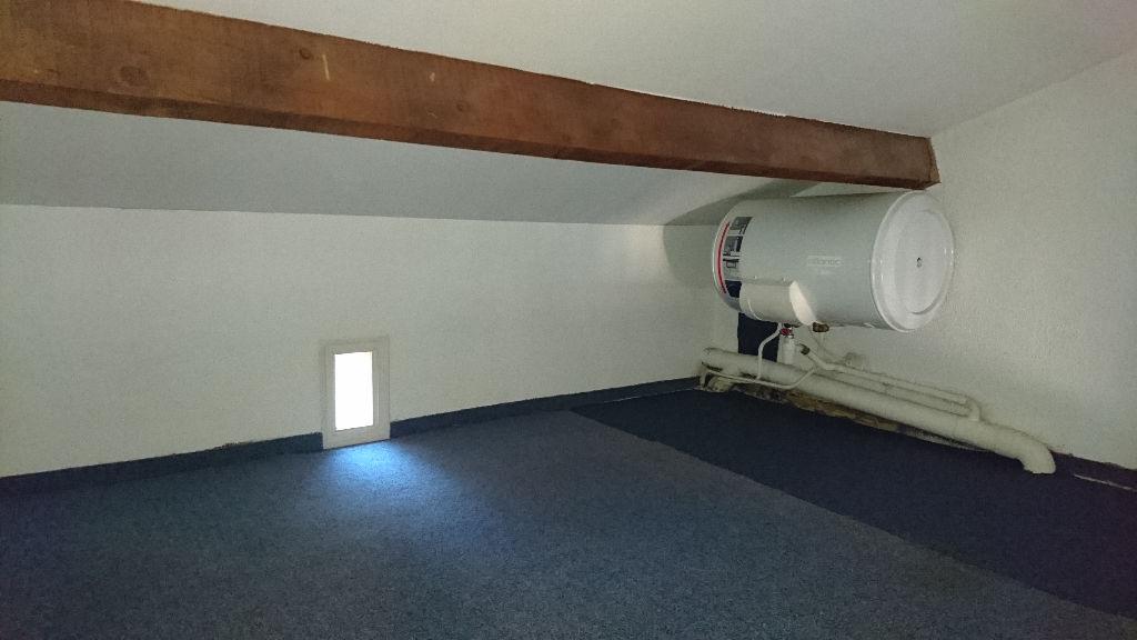 Sanary - Studio de 18m² avec balcon et place de parking