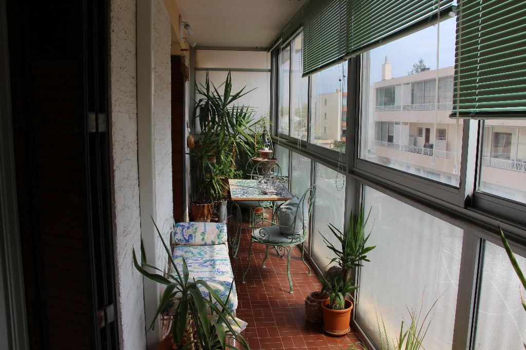 Appartement Sanary Sur Mer 3 pièces de 69 m² Lumineux et au calme