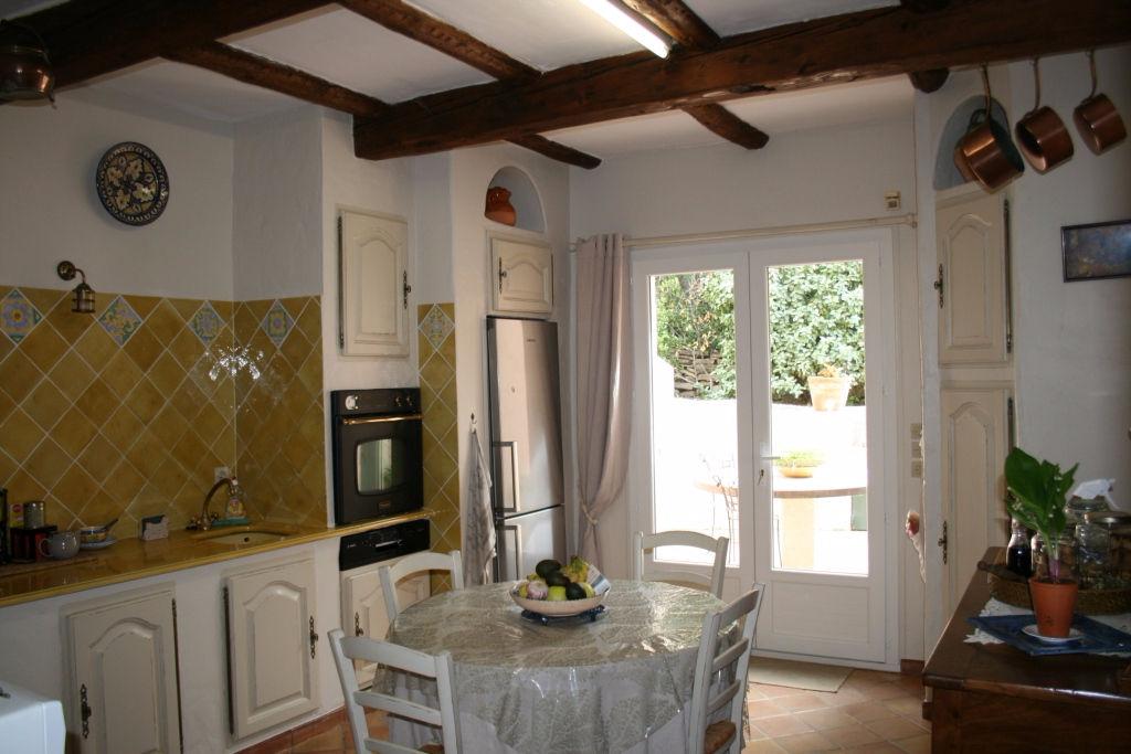 Superbe maison de 140 m2 sur beau terrain plat de 1847 m2 (83330) LE BEAUSSET