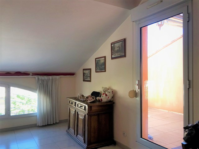 Appartement Carqueiranne (83320)5 pièce(s) 97 m2 - Sur le Port - Terrasse tropézienne