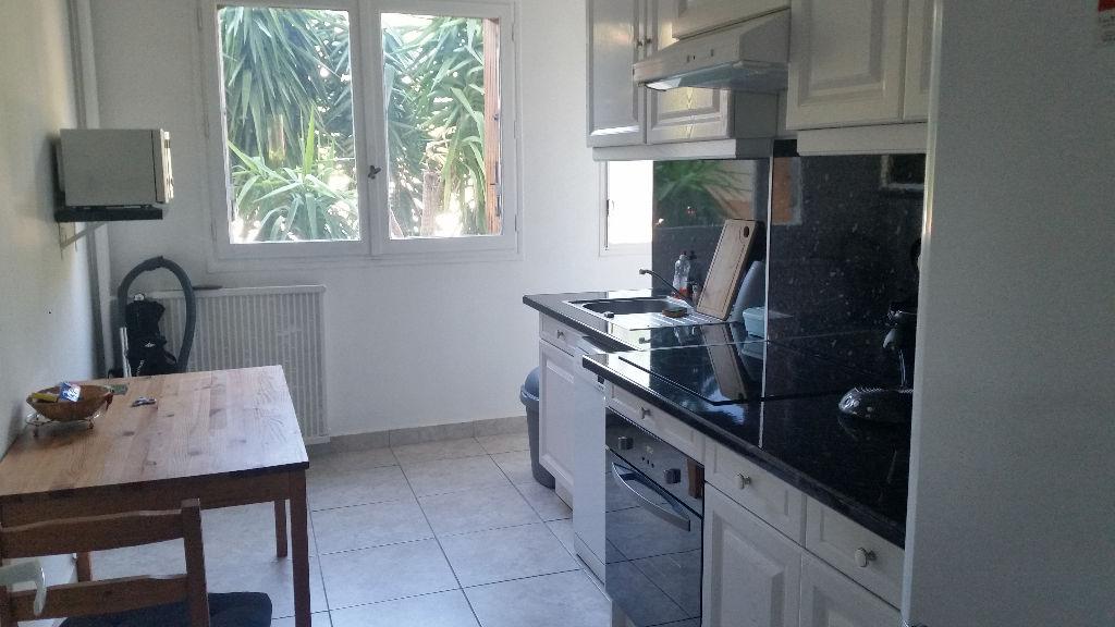 Appartement T3 Toulon 72 m2  -  Rez de Chaussée sans vis à vis