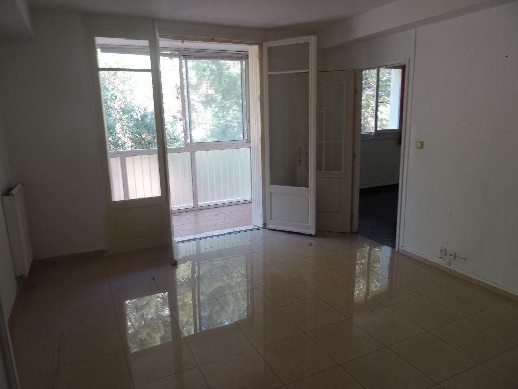 Appartement Toulon OUEST 4 pièce(s) 69 m2 calme et cadre verdure