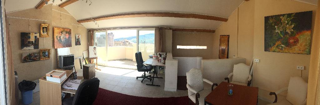A vendre maison de village la Cadiere d'Azur de 150 m² - Nombreuses terrasses