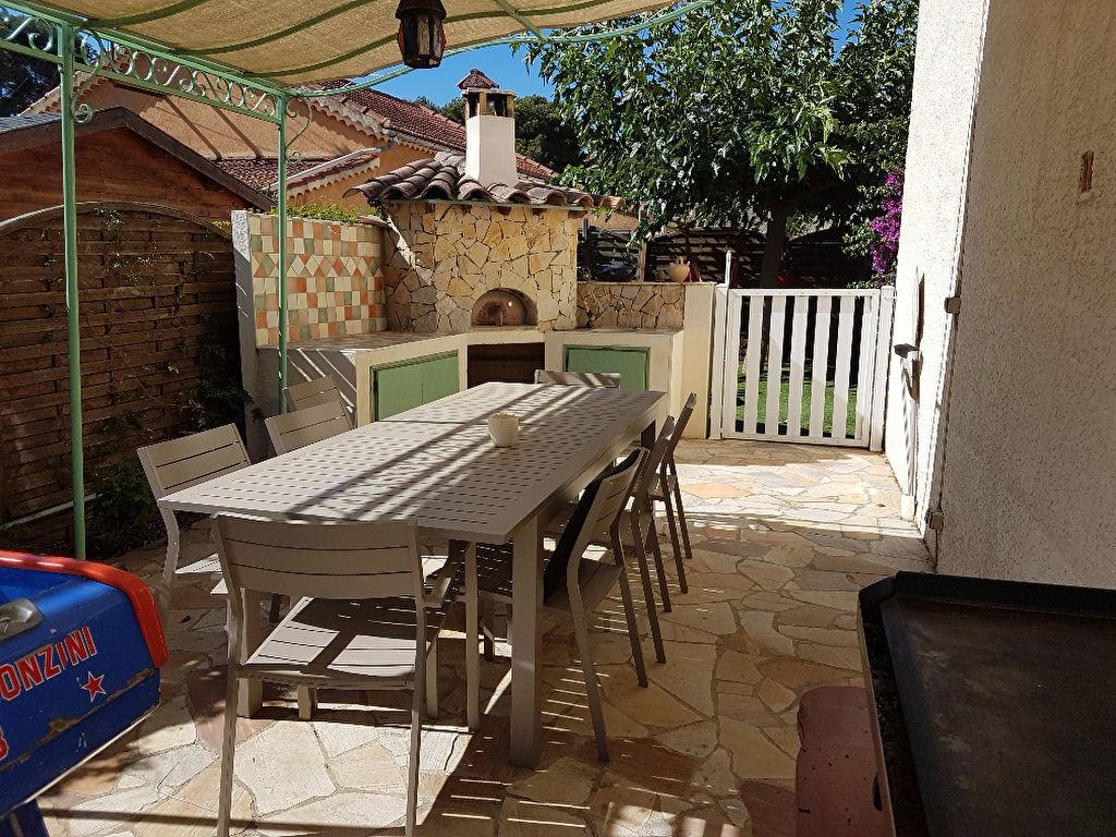 Villa Six Fours Les Plages 6 pièce(s) 115 m2 - Au calme Quartier résidentiel