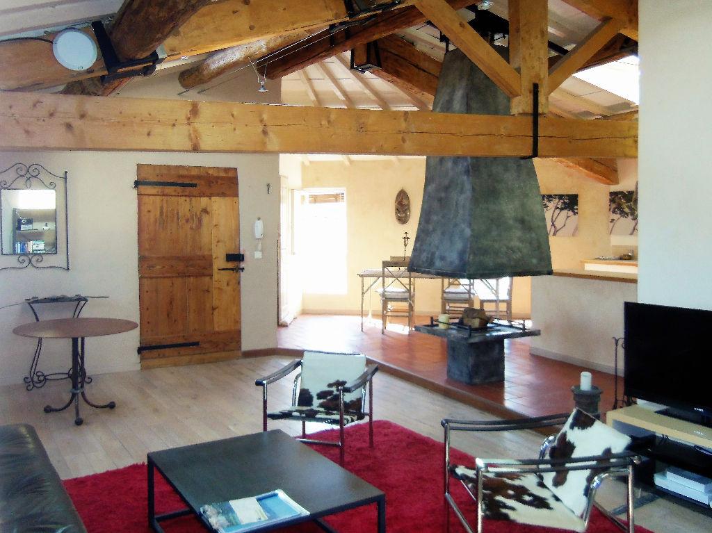 Appartement lumineux avec cachet La Cadiere D Azur 3 pièce(s) 89 m2