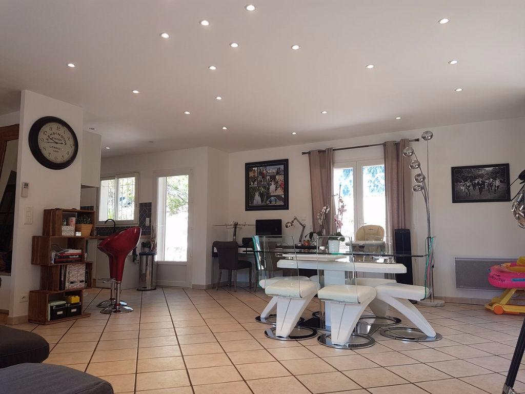 Maison Toulon 101 pièce(s) 101,60 m2