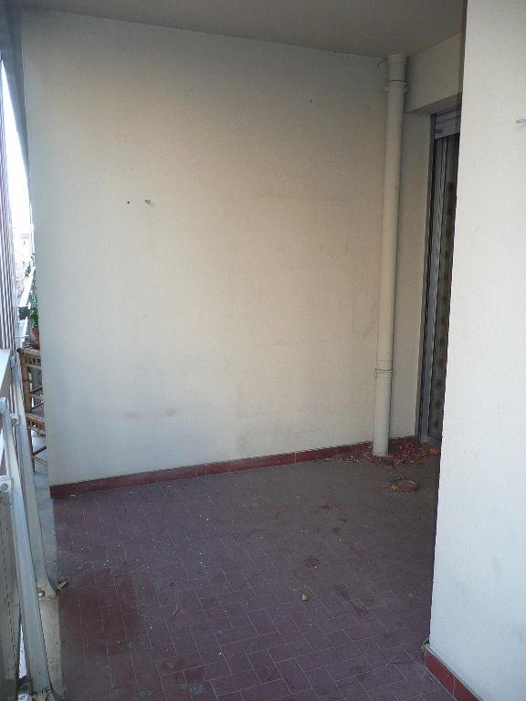 Appartement Toulon 2 pièce(s) 43 m2 avec balcon terrasse