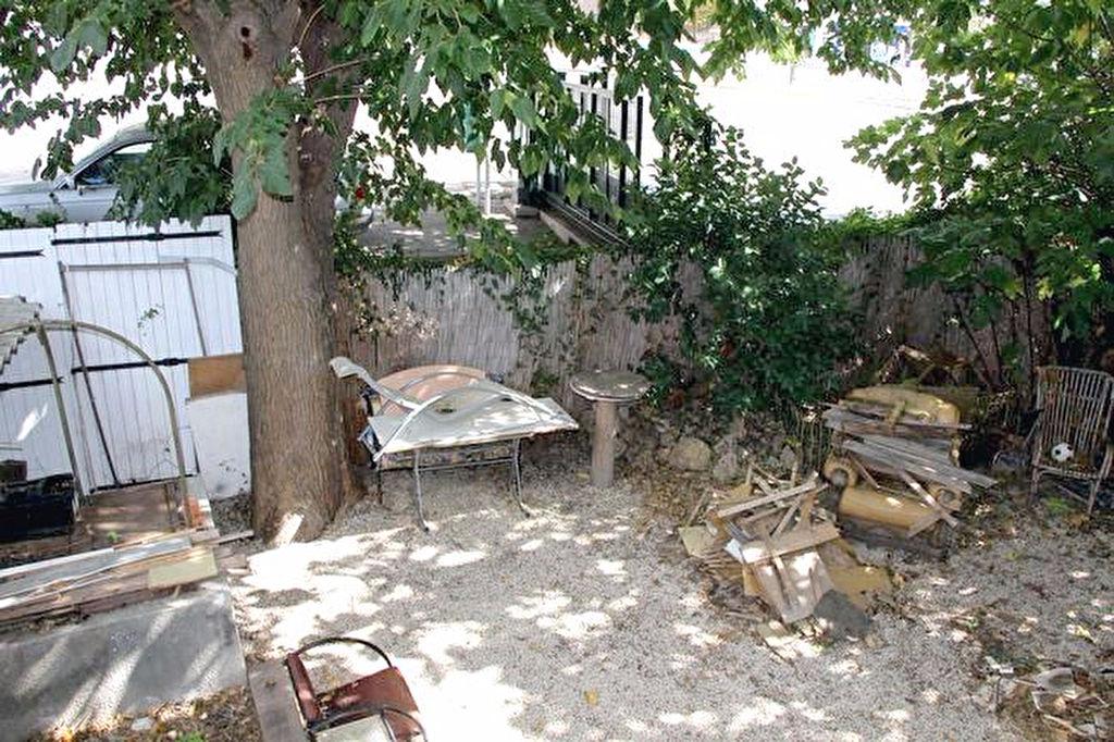 Villa La Seyne Sur Mer 4 pièce(s) 85 m² - A rénover - Droit à bâtir