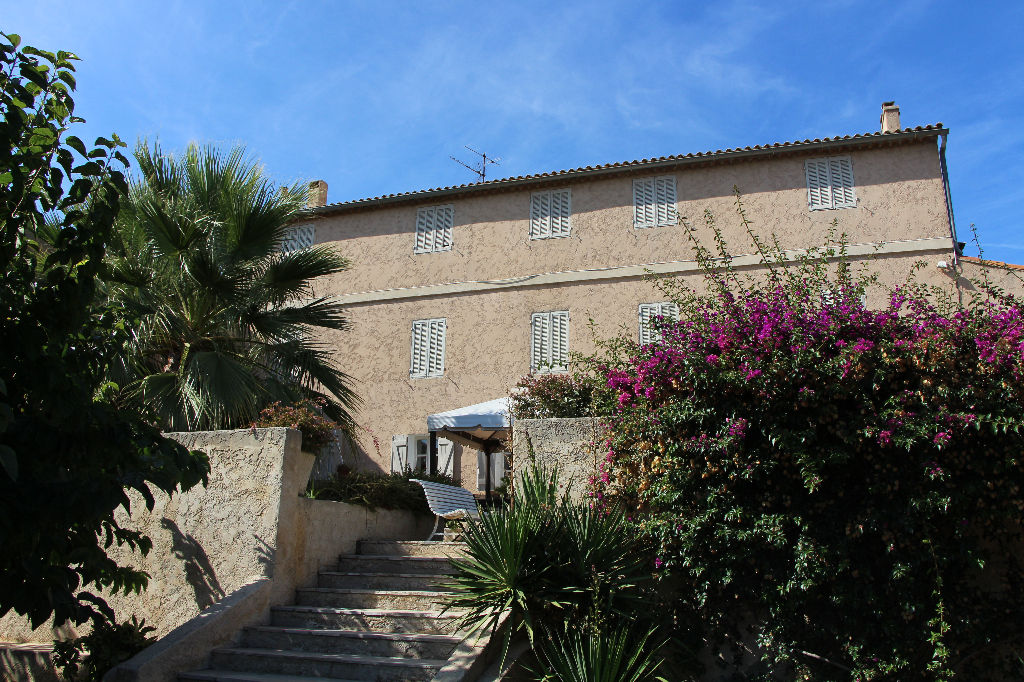 Maison Ollioules 12 pièces de 310 m² - Propriété de charme - Vue mer