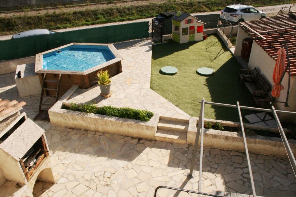 Appartement Signes Duplex 4 pièces de101 m² et 150 m² de jardin