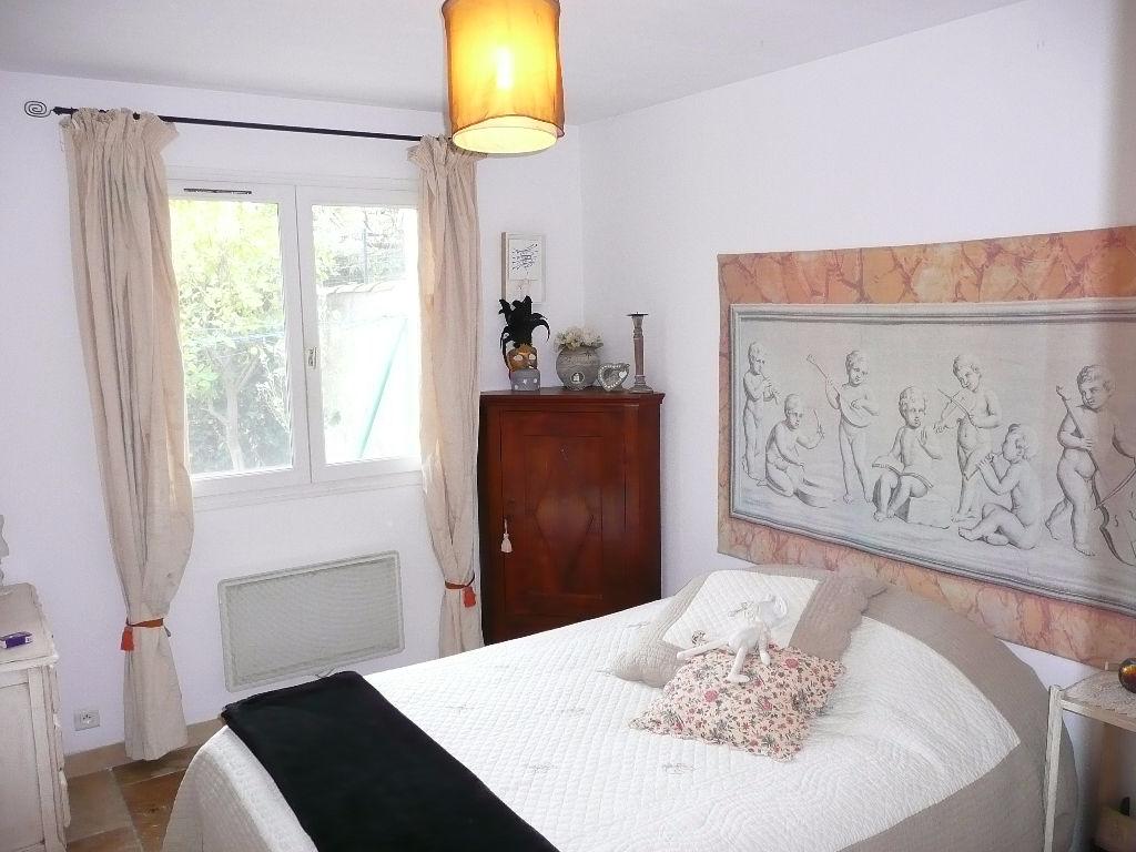 Sanary - Maison rénovée - 4 chambres - Terrasse jardin et barbecue et garage