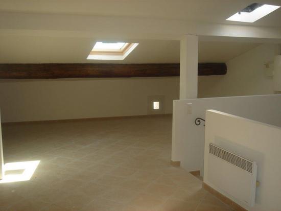 Duplex Le Beausset 1 pièce de 35 m² Rénové  - En dernier étage